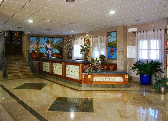 Hotel Plaza Del Castillo: Recepción