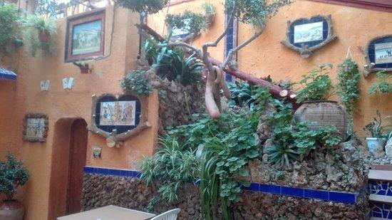Hotel El Cami: Terraza interior