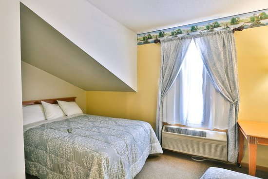 New Richmond, WI: 3 Double beds