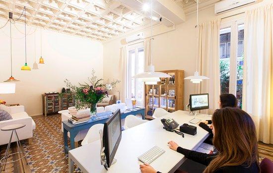 Aspasios Rambla Catalunya Suites: Reception