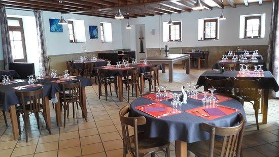 Saint-Pal-de-Chalencon, France: salle du restaurant