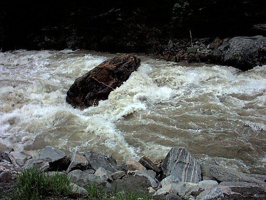 Bozeman, MT : House rock during June runoff.