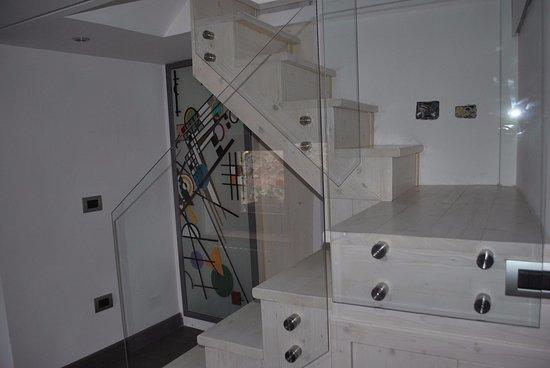 San Marco D'Alunzio, Italy: interni  scala di accesso al piano ammezzato