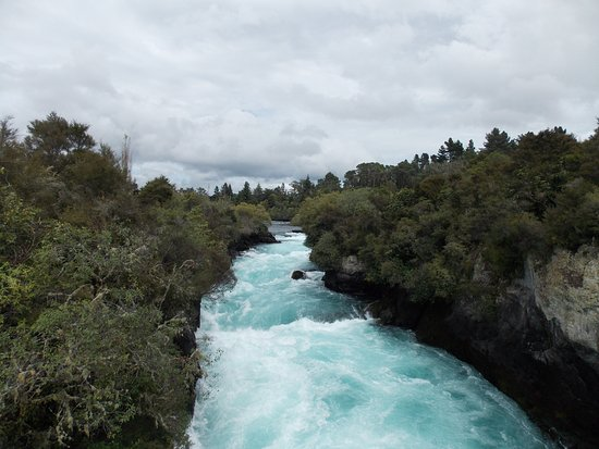 Taupo, New Zealand: How does it all get through?