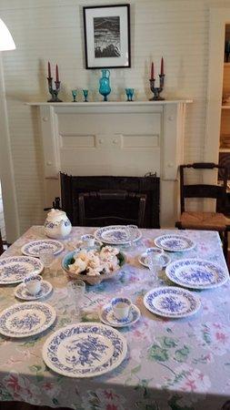 Hawthorne, FL: Dining room in the Marjorie Kinnan Rawlings homestead.