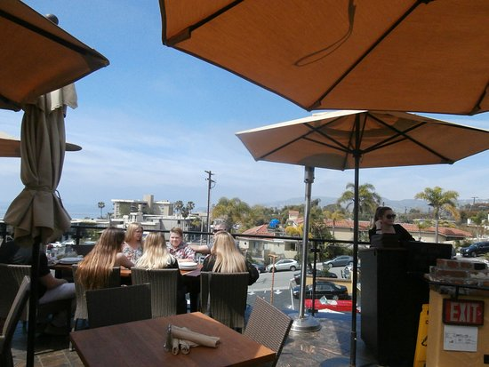 Mozambique Restaurant: Part of the view from the top terrace
