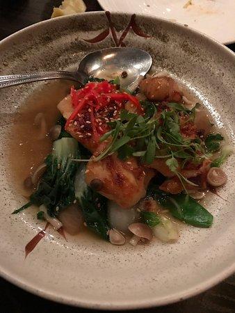 Corte Madera, Califórnia: Garlic noodles, ribeye bao, fish soup, black cod
