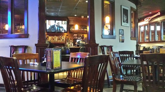 Mojos Pub N Grill Dining Area Looking Into Bar
