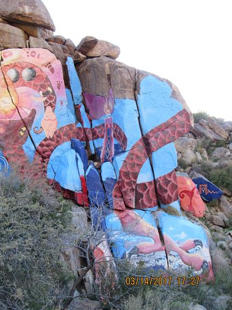 Chloride, AZ: another shot of the other side of the full mural