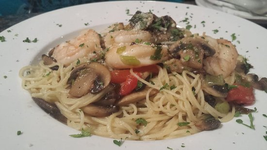 Newton Falls, OH: Shrimp and pasta with mushrooms and peppers.