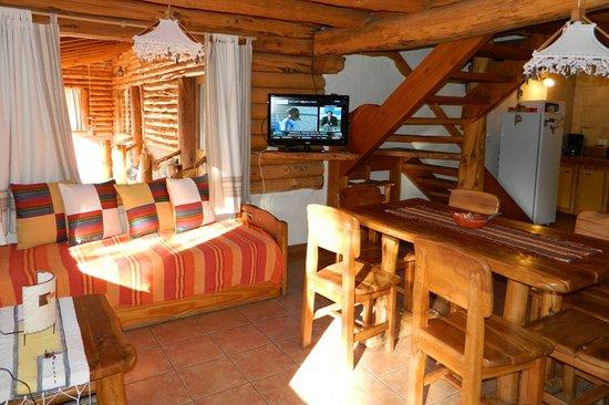 Arcadia Patagonia: Estar cabaña 3 ambientes