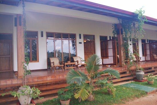Jims Farm Villas : Front view of Mango Villas