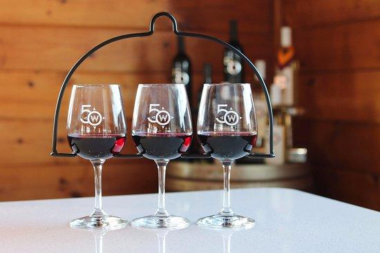 Middleburg, VA: Enjoy 50 West wine flights!