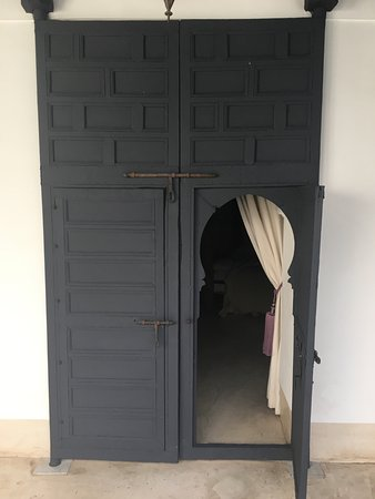 Riad Dar-K: door to suite douiria