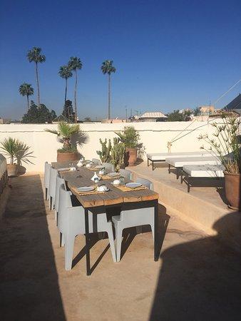 Riad Dar-K: rooftop breakfast :)