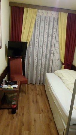 Hotel Haas: Jednolůžkový pokoj (1/2) / 1-person room