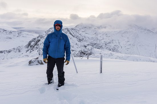 Kinlochleven, UK: Rich atop Meall Dearg as the cloud cleared