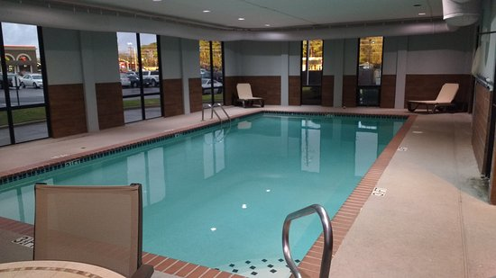 Columbus, MS: Indoor heated pool