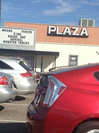 ‪Plaza Maplewood Theatre‬
