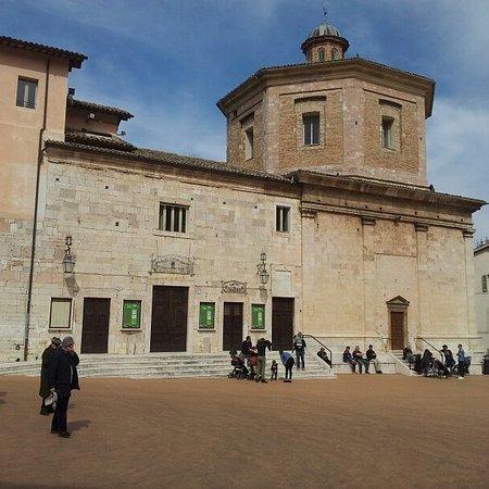 Spoleto, Włochy: IMG_20170319_215204_196_large.jpg