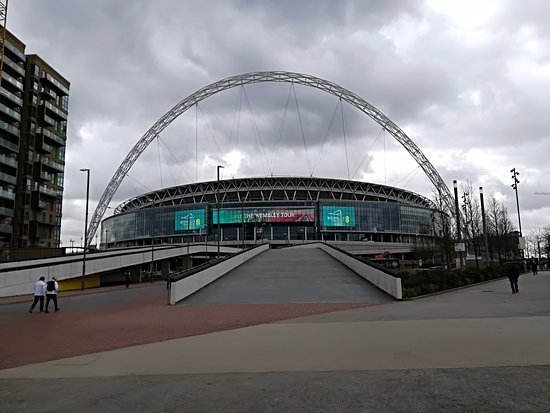 Wembley, UK: Voorzijde