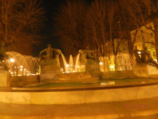Photo of Monument / Landmark Fontana Angelica at Piazza Solferino, Turin, Italy