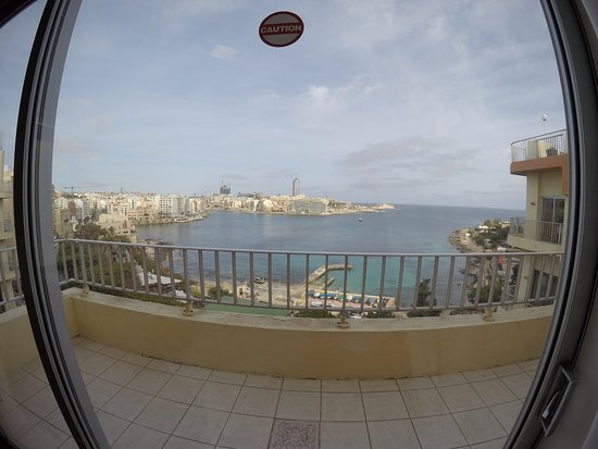 The Plaza & Plaza Regency Hotels : GOPR5410_large.jpg