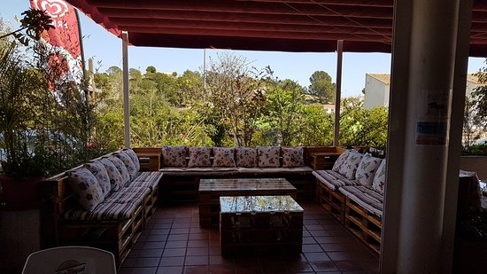 Restaurante el jardin l 39 alfas del pi calle helecho 1 for Restaurante el jardin pedraza