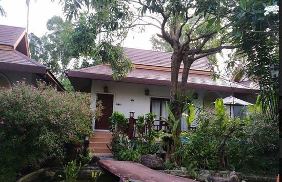Lipa Noi, Ταϊλάνδη: chambre avec piscine en terrasse