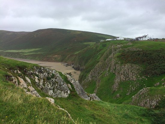 Rhossili Bay: View of rockfaces