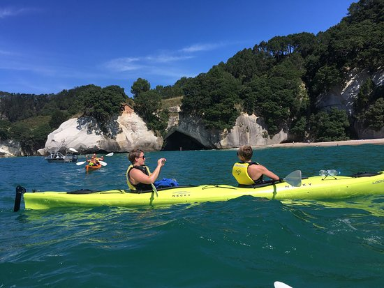 Cathedral Cove Kayak Tours: photo0.jpg