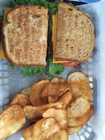 First Light Breakfast & Burgers: photo0.jpg