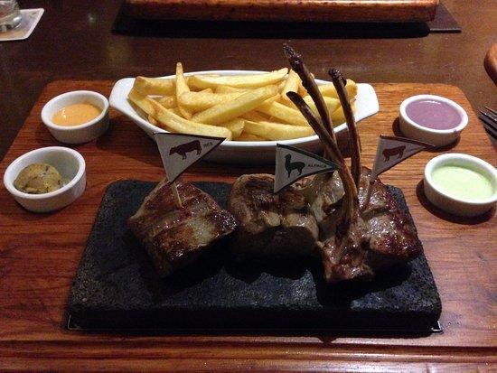 Zig Zag Restaurant: Carne Bovina, Alpaca e Cordeiro