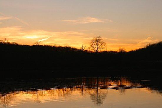 Camden, TN: Beautiful sunsets!