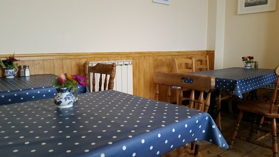 Cobo Tearoom: Café interior