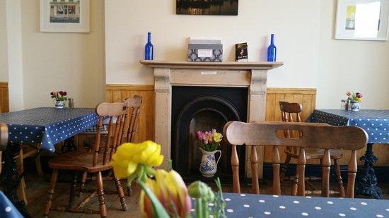 Castel, UK: Café interior