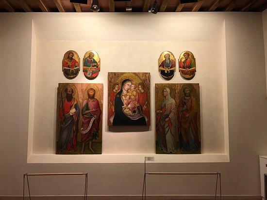 Asciano, Italien: Un museo molto curato e con delle opere bellissime, una piacevole scoperta in questo tipico borg