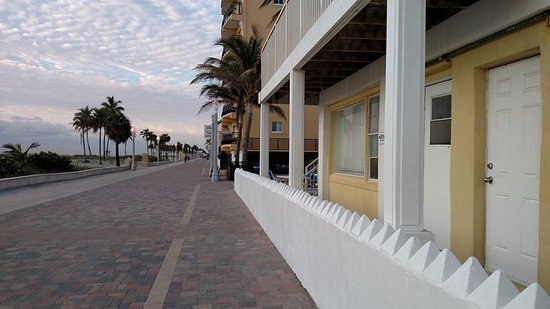 Paradise Oceanfront Hotel Picture