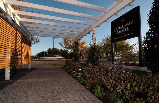 Broadway Motel & Miro Court Villas Photo