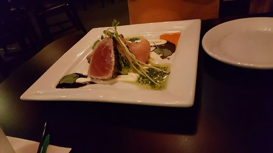 Staunton, VA: Seared tuna