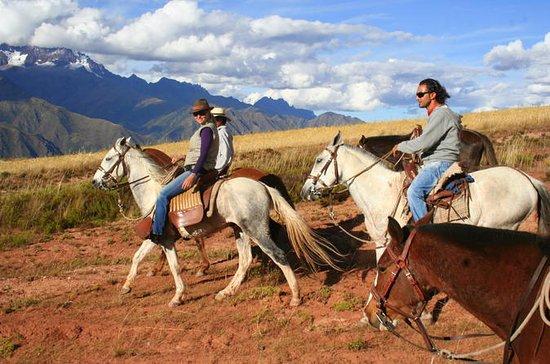 Excursão de passeio a cavalo em Cusco...
