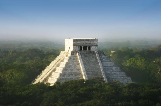 Viator Exclusive: Chichen Itza at...