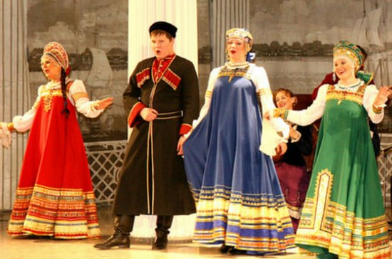 Russian Folk-Show at Nikolayevsky...