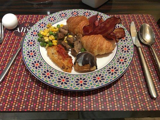 Asia Alive: こんな朝食取りました