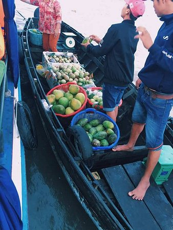 Cai Rang, Vietnam: local fruit in mekong delta