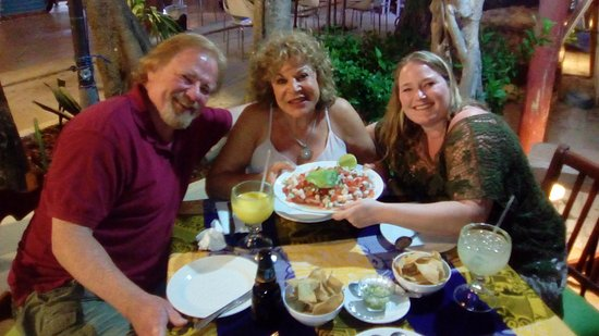Dos Chíles: Bill, Julie & Danielle delighting over the seafood Ceviche at Dos Chiles