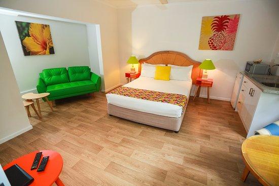 queen guestroom foto di port douglas motel port douglas. Black Bedroom Furniture Sets. Home Design Ideas