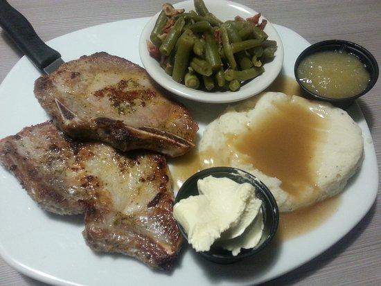 Perkins Restaurant & Bakery: Pork chops