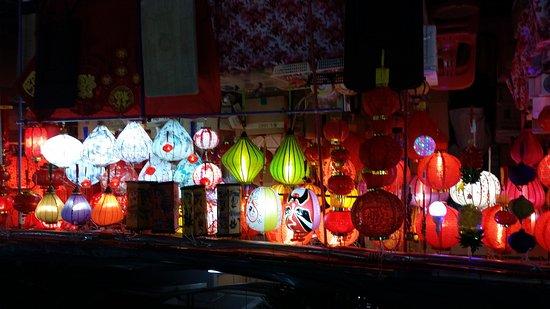 Chinatown: 20170317_200736_large.jpg