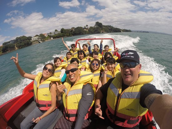 Auckland Region, นิวซีแลนด์: Good times with Jules!!! My students from the second row back, having a great time!!!